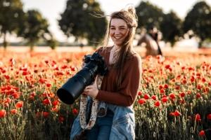 Pferdefotografin Alexandra Evang Photographie im Mohnfeld mit ConSolido und Anja Mertens